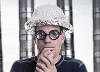 Paranoid-Tinfoil-hat-600x240-1432957292
